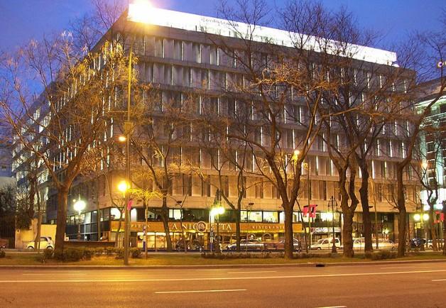 Edificio ibm madrid tvarquitectura for Oficinas bbva jaen