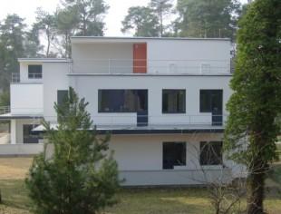 MASTER HOUSE BAUHAUS